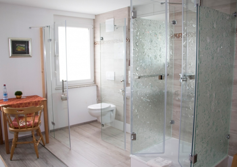Einzelzimmer-Sanitär-1-min