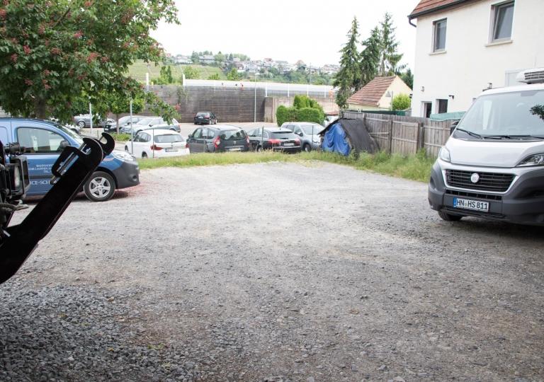 Gästehaus-Parkplatz